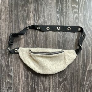 Empyre Sherpa fur slug bag Fanny pack